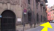 Reserve low rates for hotels and hostels in Bologna